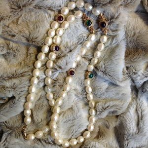 Beautiful vintage Givenchy faux pearl necklace